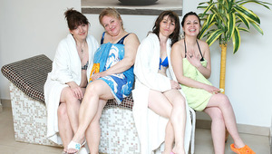 These women love to unwind in an all old sauna