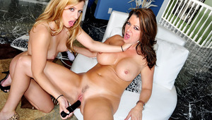 Babe teaching french to a cute MILF before fucking with her