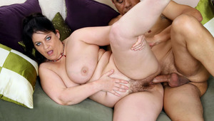 Nasty Horny MILF Loves Getting Cum Over Her Chubby Pussy