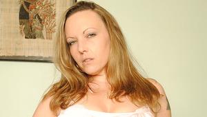 Hot British MILF works her pussy hard