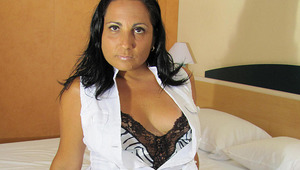 Horny cougar Paloma likes to play and pee
