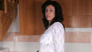 Housewife Marietta gets slutty in her kitchen
