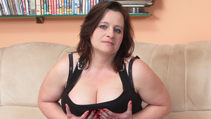 gigantic titted housewife liking a hard dick